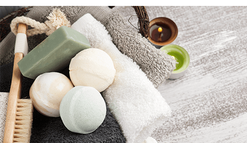 Spa gifts like soap and bath bombs